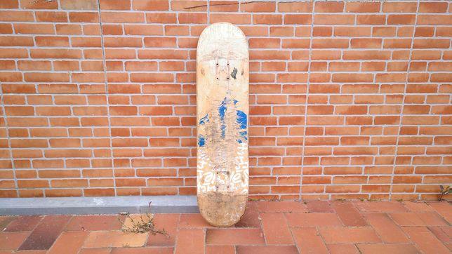 SKate Prancha longboard e rodas Classic Infernos