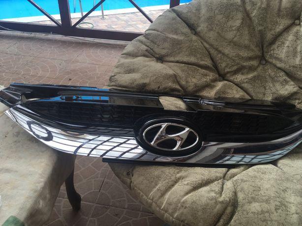 Решётка Hyundai ix35 Но. Запч.(66851-2Y00)