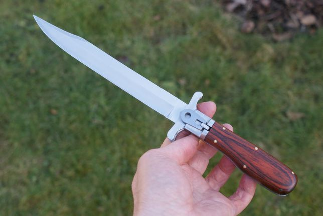 Nóż myśliwski, stal 440 C - składany, model koloniany z XIX wieku.
