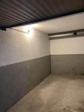Garagem para automóvel em Maximinos