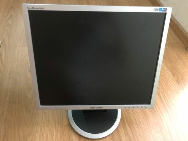 Монитор Samsung 940N 19 дюймов, рабочий