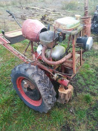 Dzik traktorek z silnikiem od WSK.