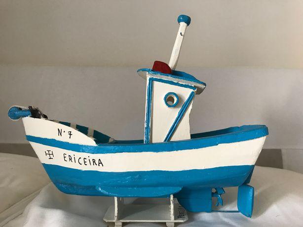 Barco de pesca vintage feito a mão - Ericeira
