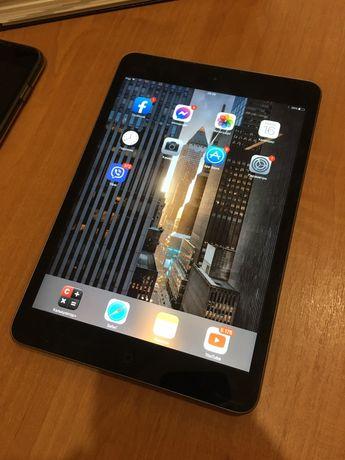 Apple ipaf mini 2 16gb гарний стан