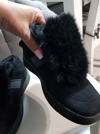 Buty z futerkiem 40 czarne