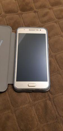 Смартфон Самсунг j5