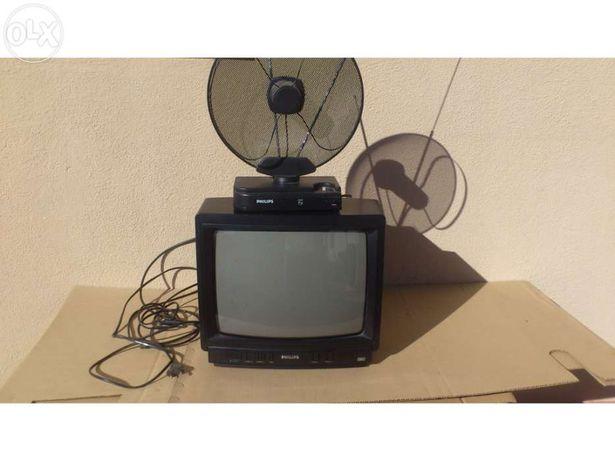 Televisão Phillips antiga a funcionar