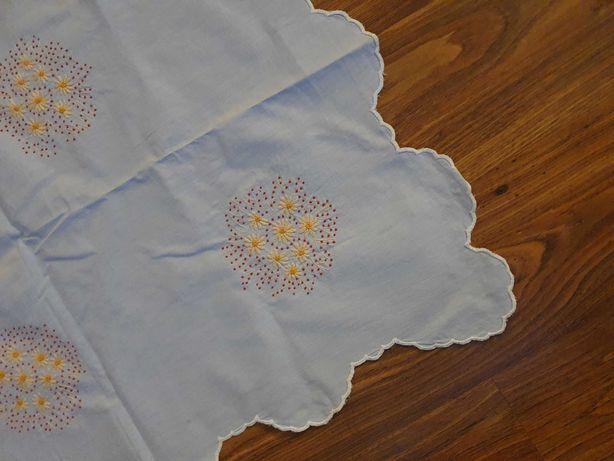 Obrus wyszywany, haftowany bawelna, duży   150x190