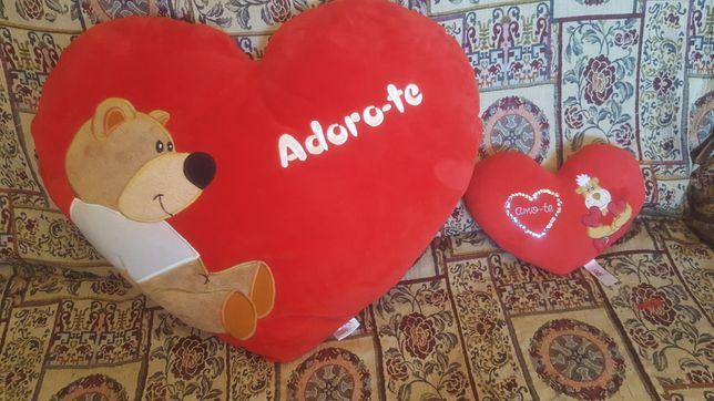 Almofada  formato coração  para  criança