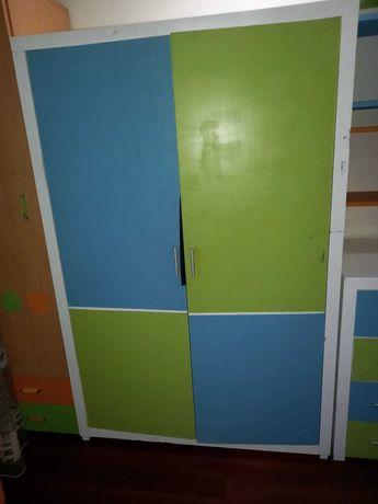 Roupeiro para quarto de criança