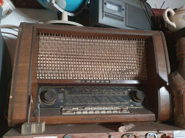 Radio antigo Loewe Opta funcionar