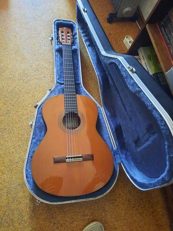 Guitarra clássica Alhambra 6P em Abeto (Spruce) com estojo Pro