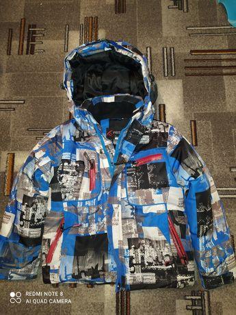 Куртка зимняя на мальчика 4-5 лет
