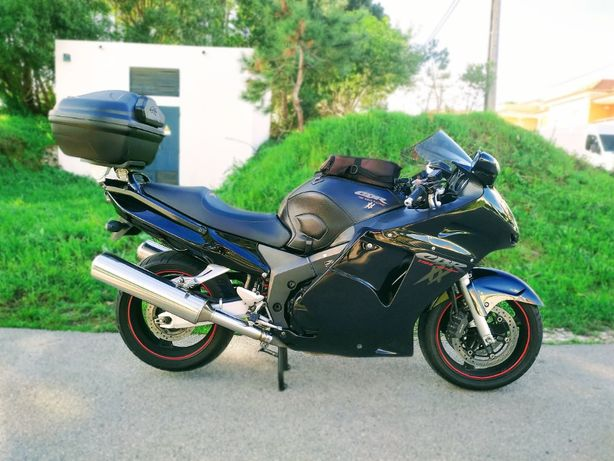 Mota Honda CBR 1100 XX Super Black Bird