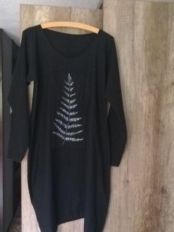 Nietuzinkowa sukienka ręcznie malowana