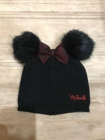 Демисезонная шапка для девочки