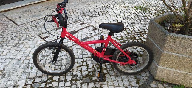 "Bicicleta BTwin 16"" Hero vermelha"
