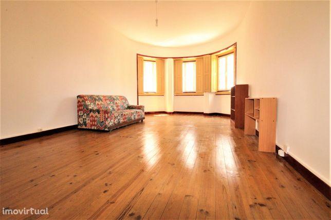 Apartamento T3 + 1 Celas