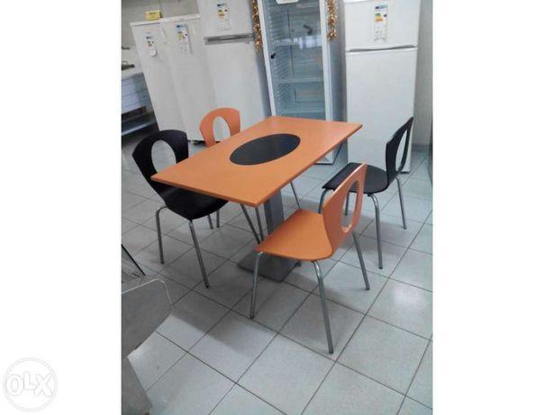 Conjunto mesa 110 x 70 + 4 cadeiras