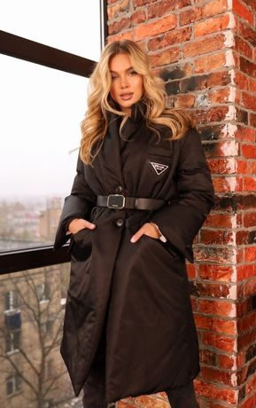 Пальто  пуховик Prada Italy