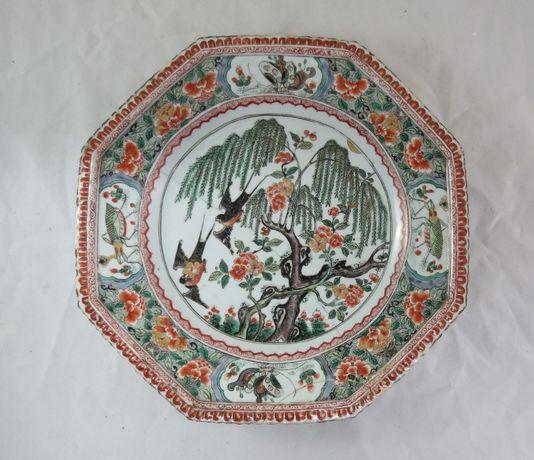 Prato Porcelana Chinesa Família Verde; Período Kangshi; Diâmetro-33cm;