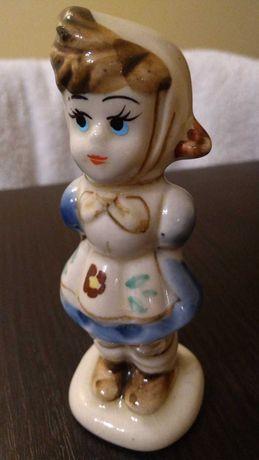 Figurka porcelanowa, dziewczynka