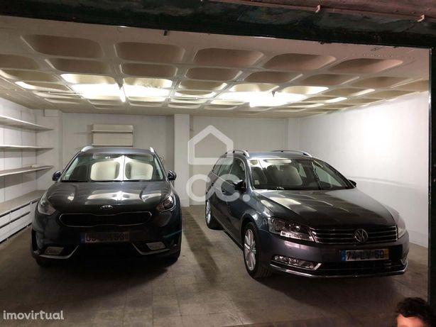 garagem individual para dois carros no centro da cidade