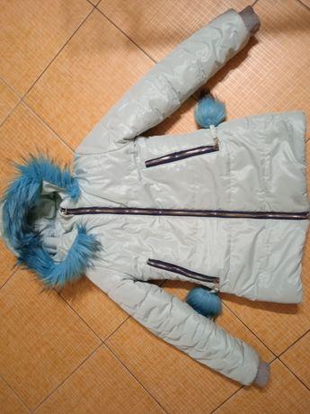 Зимняя куртка на девочку очень тёплая