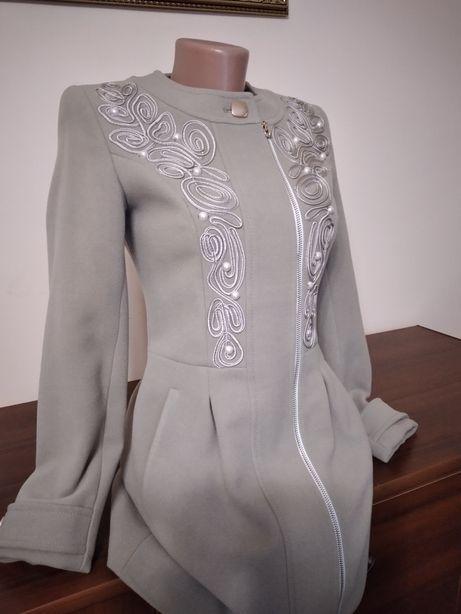 Пальто для девочки размер 152-156