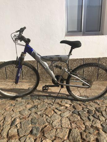 Bicicleta btt usada