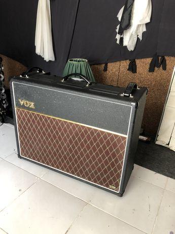 Amplificador Vox AC 30 vr