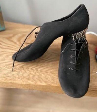Танцевальная обувь для парней