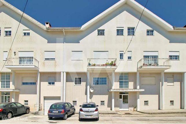 Apartamento T3 no Bonsucesso, Aradas, lugar de garagem