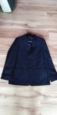 Witam Sprzedam młodzieżowy garnitur firmy Konik