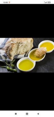 Azeite biológico de Mirandela e azeitonas