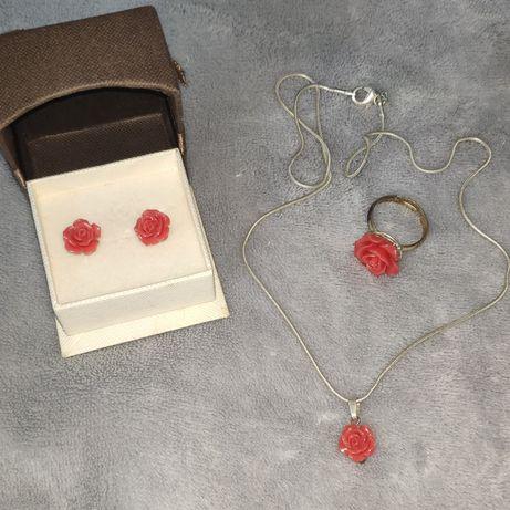 Zestaw róże kolczyki naszyjnik pierścionek