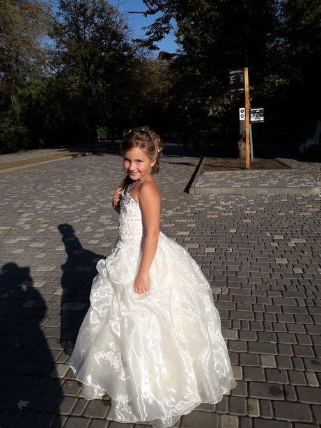 Детское шикарное платье на свадьбу или же другое мероприятие
