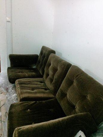 Sofá e poltronas retro vintage