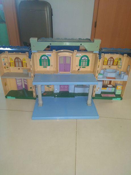 Rozkładany domek dla lalek