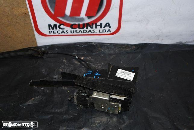 Fecho de porta Ford Fiesta MK5 02-08 Frente direito - 2S61A219a64AEA