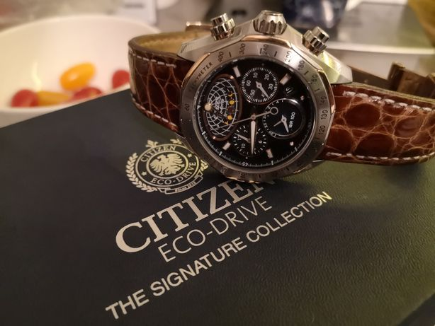 JEDYNY TAKI CITIZEN AV3006-09E Signature Collection Moon Phase Flyback