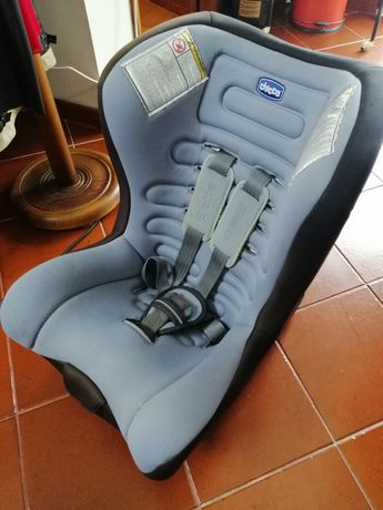 Cadeira chicco para carro.