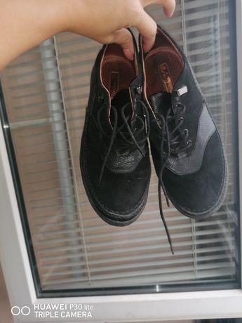 Туфлі на низькому