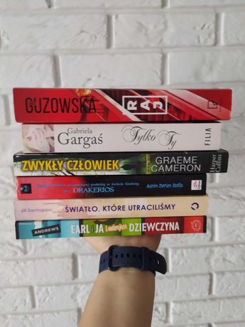 Zestaw sześciu książek