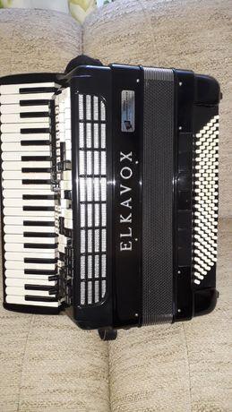Akordeon Elkavox 83