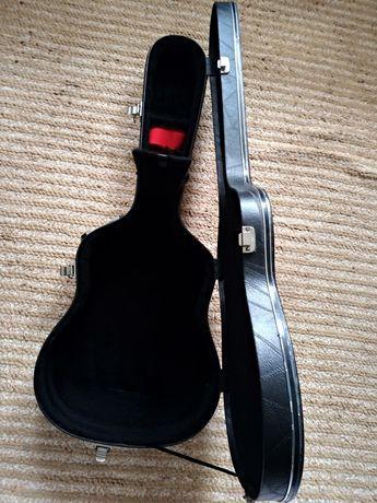 Capa dura violão, em ótimo estado
