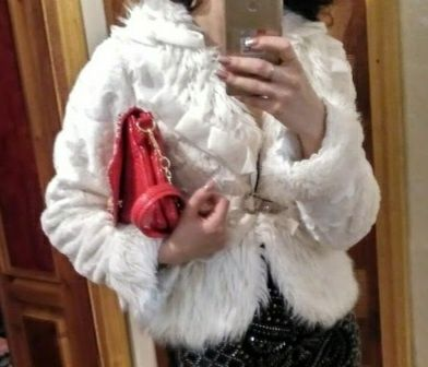 Белая шубка-пиджак