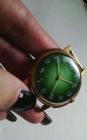 Часы заря позолоченные