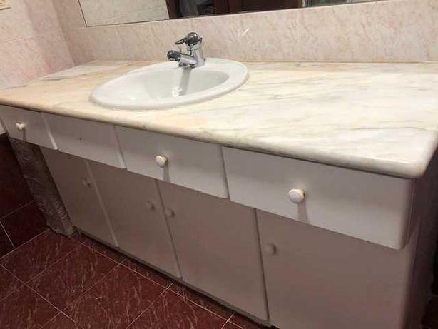 Vendo bancada mármore +lavatório + sanita +bidé+ torneiras gröhe
