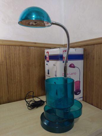 Стильная настольная LED-лампа с органайзером для канцтоваров.
